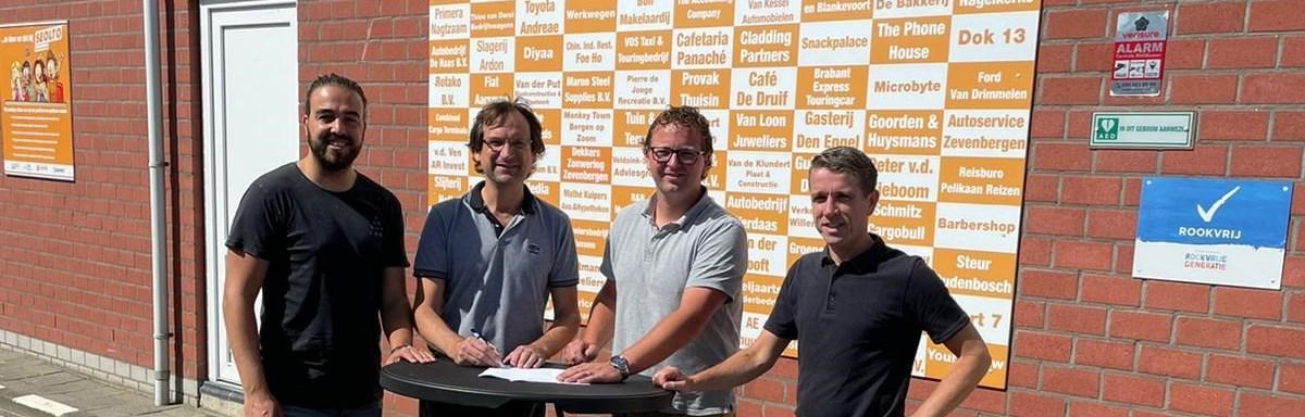 Thomas-de-Ridder-tekent-contract-bij-v.v.-SEOLTO-als-hoofd-jeugdopleidingen